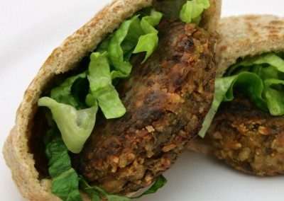 Annabel Karmel – yummy vegetable and cashew nut burgers